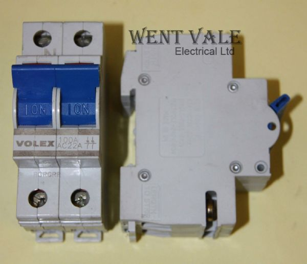 Volex - SFVSW100 - 100A Double Pole Main Switch Disconnector Used